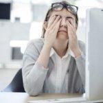 Dauernd müde und ausgelaugt im Job? Diese Sofort-Maßnahmen helfen dagegen